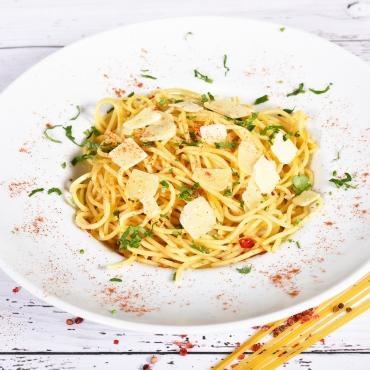 Spaghete aglio olio e peperoncino [picant], 150g