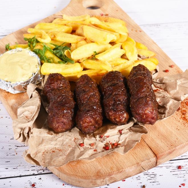 Mititei cu cartofi prăjiți și muștar, 450g